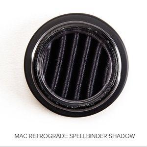 🆕 MAC Retrograde Limited Spellbinder Shadow